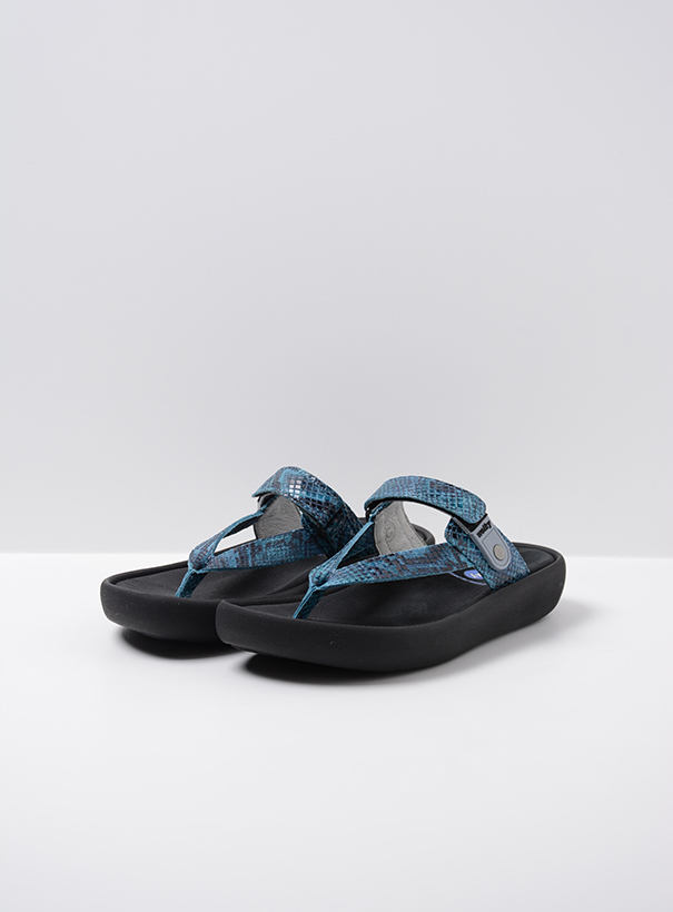 wolky slippers 00821 peace 98760 turquoise snake print leer front