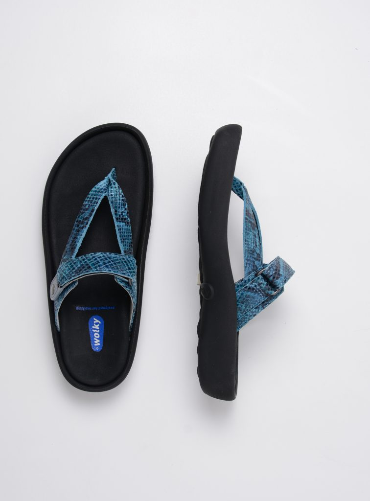 wolky slippers 00821 peace 98760 turquoise snake print leer top