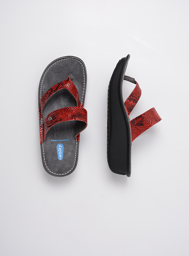 wolky slippers 00877 martinique 98500 rood snake print leer top